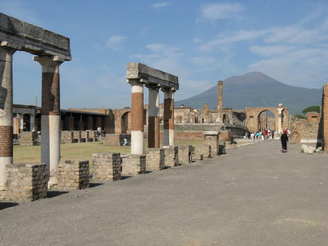 The train, Pompeii - Transportation - VirtualTourist